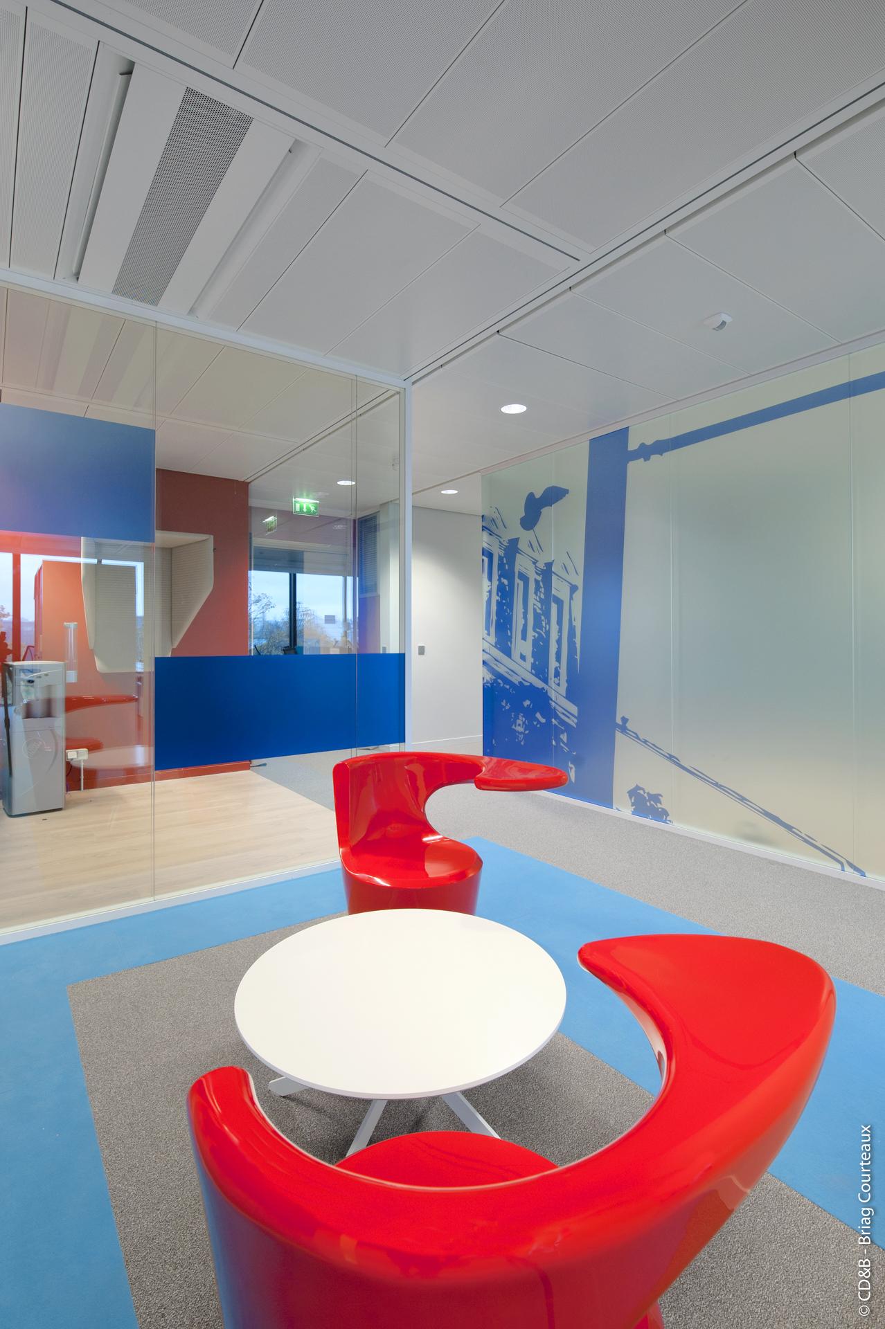 Conseil, aménagement, conception et réalisation des espaces de travail de la société Systra par CDB, Meet you there.