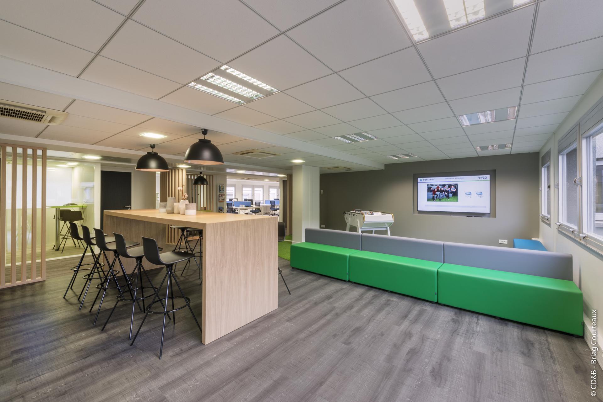 Conseil, aménagement, conception et réalisation des espaces de travail chez Centreon par CDB, Meet you there.