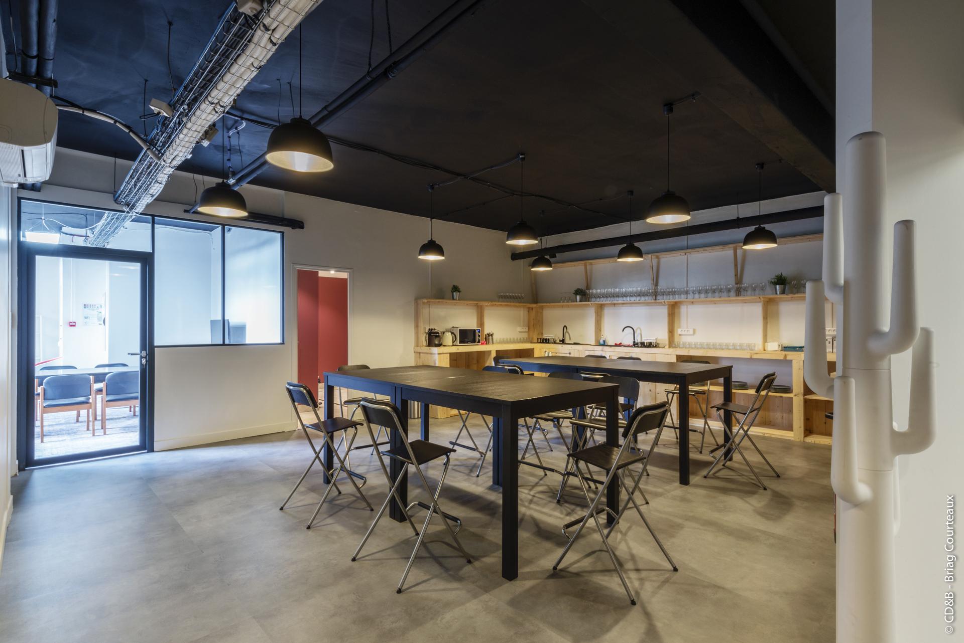 Conseil, aménagement, conception et réalisation des espaces de travail chez Startway par CDB, Meet you there.