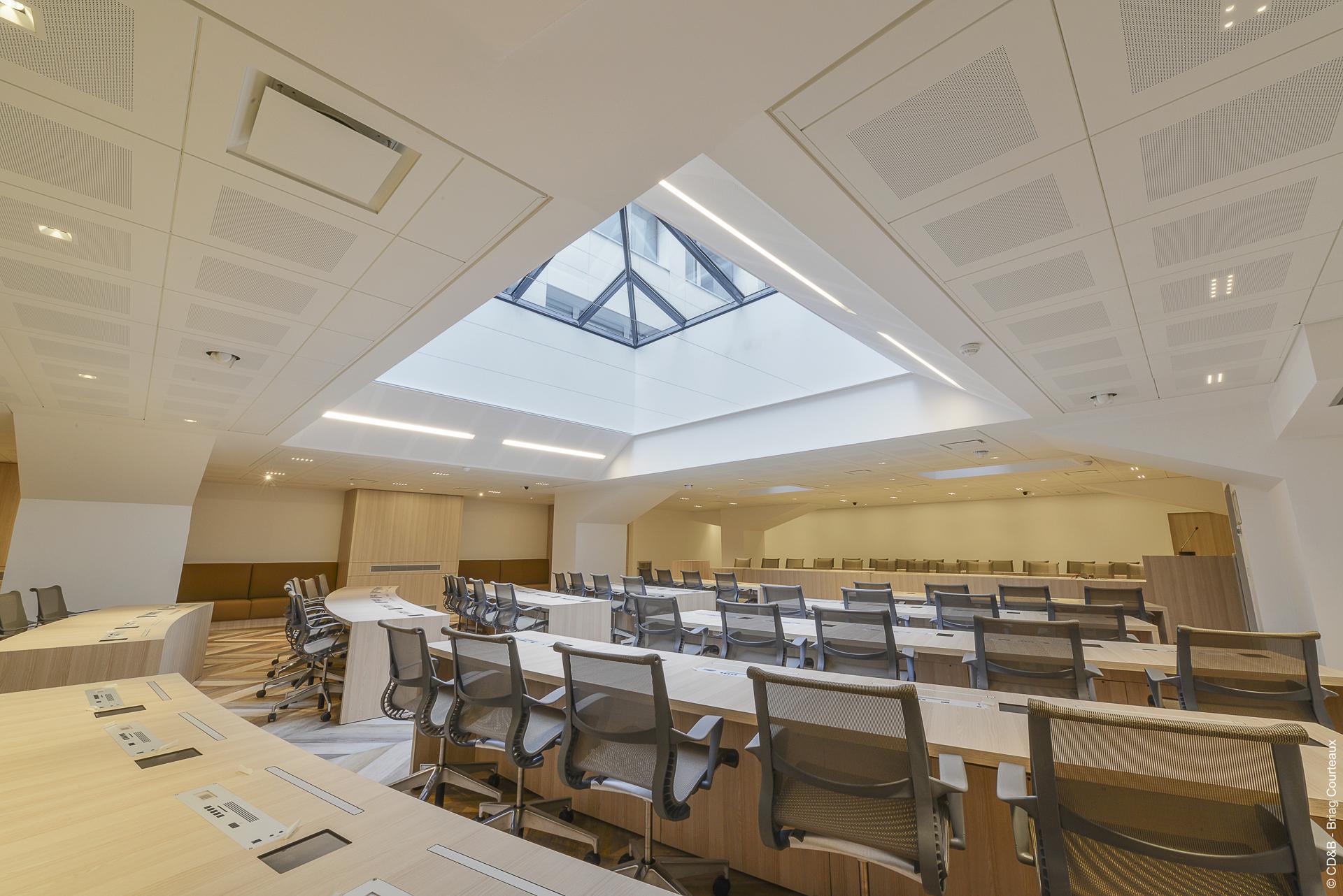 Conseil, aménagement, conception et réalisation des espaces de bureaux du Conseil National de l'Ordre des Médecins (CNOM) par CDB, Meet you there.