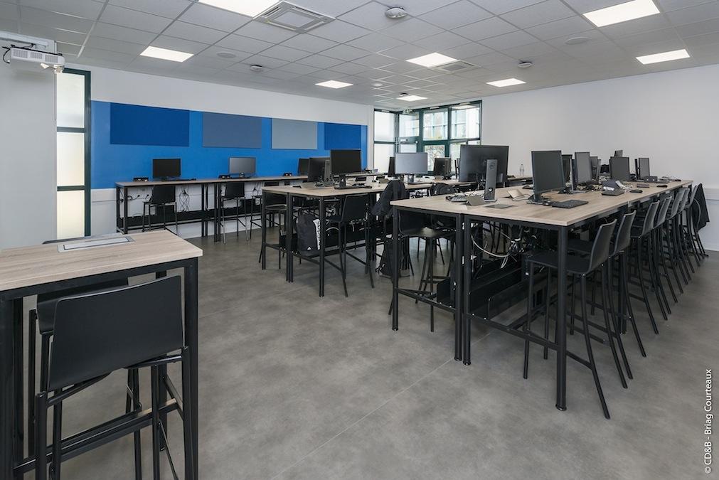Conseil, aménagement, conception et réalisation des espaces de l'EFREI par CDB, Meet you there.