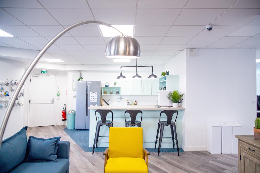 Conseil, aménagement, conception et réalisation des espaces de la société d'étude et de conseil BVA à Lyon par CDB, Meet you there.