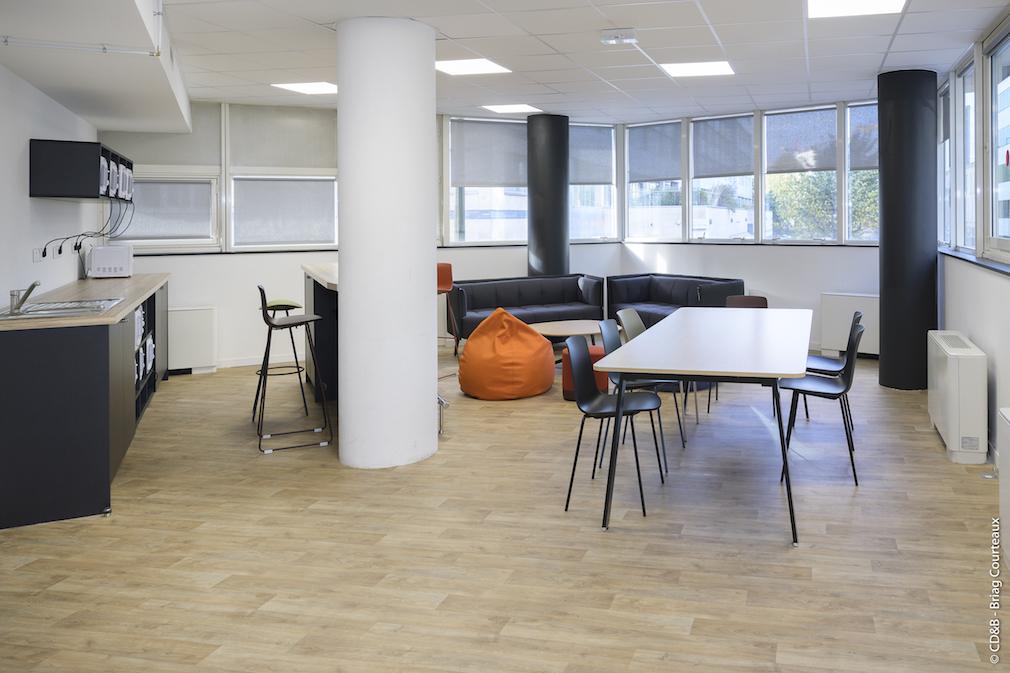 Conseil, aménagement, conception et réalisation des espaces de l'école ESPI par CDB, Meet you there.