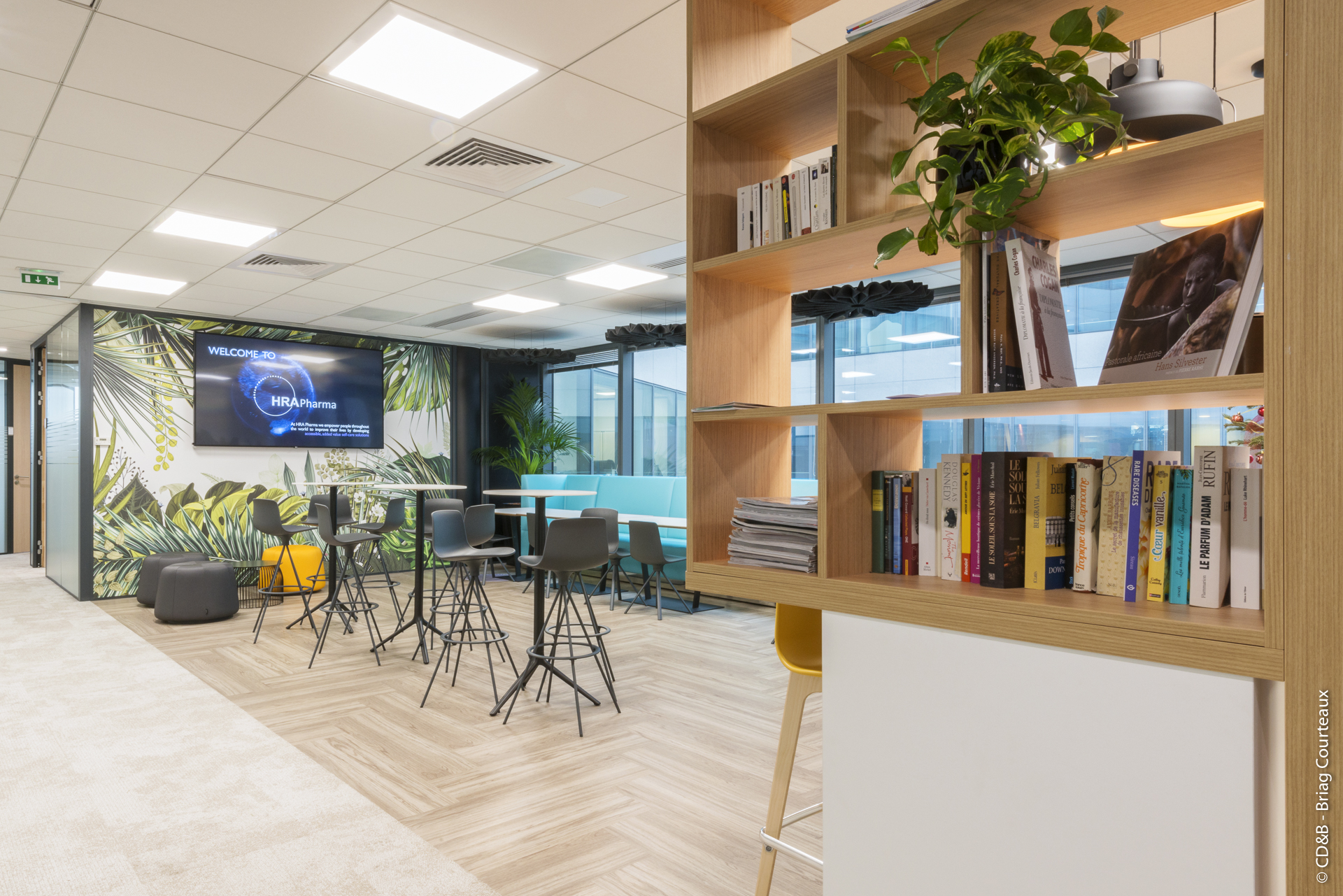 Conseil, aménagement, conception et réalisation des espaces de bureaux de la société HRA PHARMA par CDB, Meet you there.