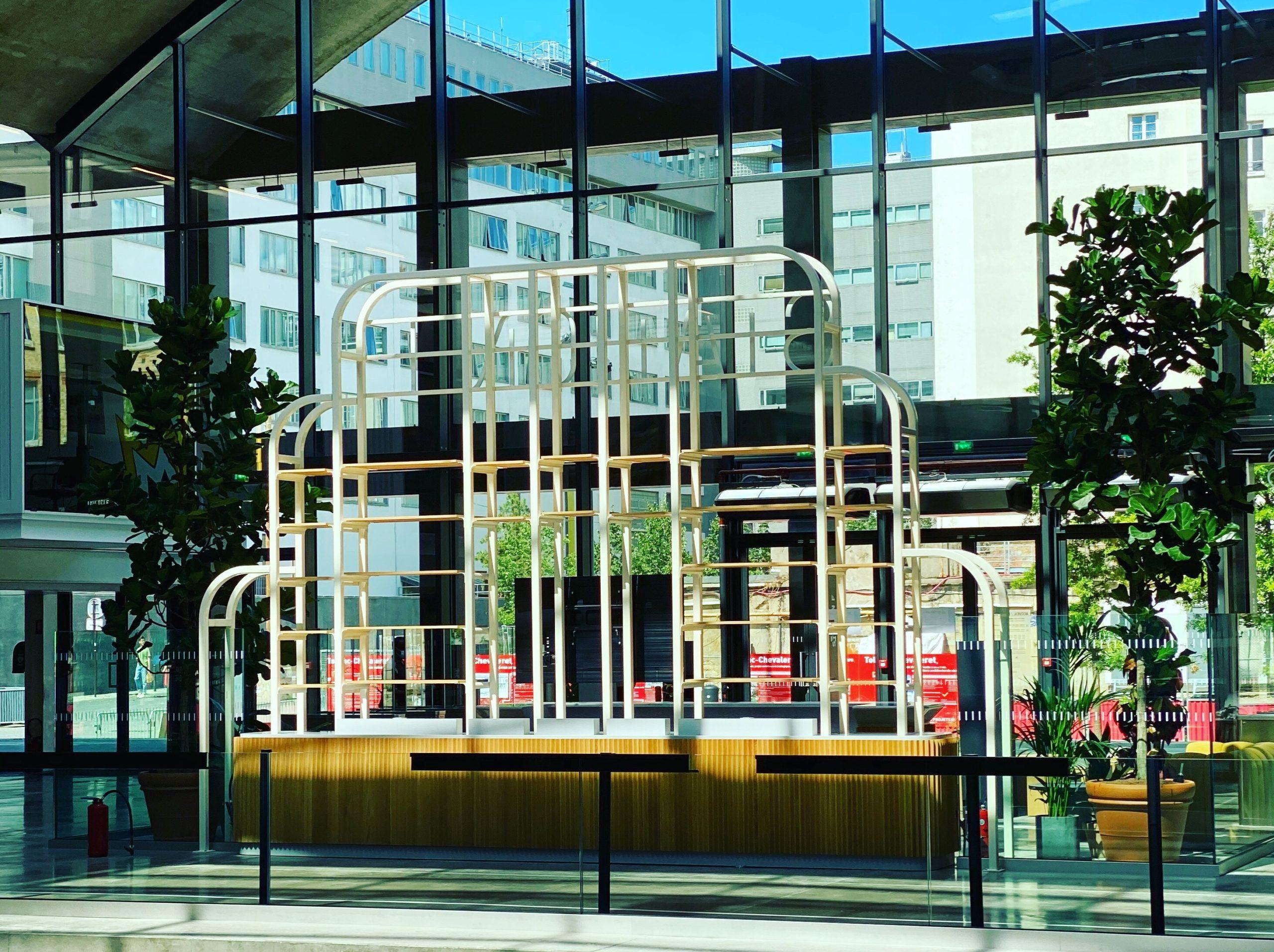 Conseil, aménagement, conception et réalisation du hall d'accueil de la Station F par CDB, Meet you there.